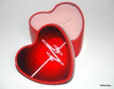 Illatos gyertya fém dobozban - szívritmus