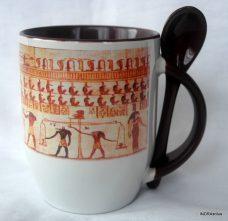 Egyiptomi mintázatú kanalas bögre 1.