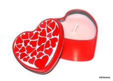 Illatos gyertya fém dobozban - piros szívek